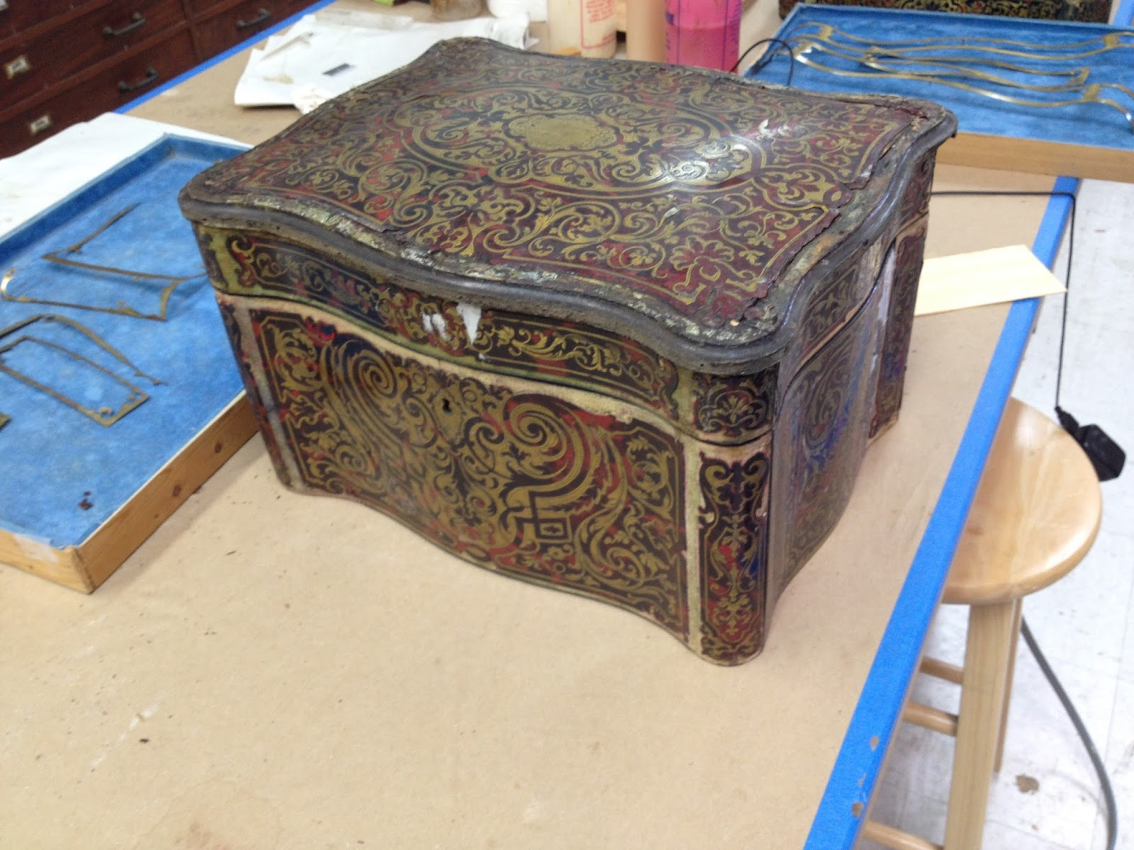 Boulle marquetry Restoration Before