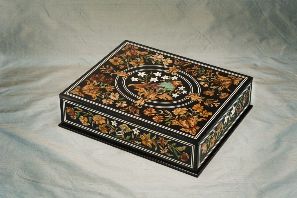 Marquetry treasure box II colsed